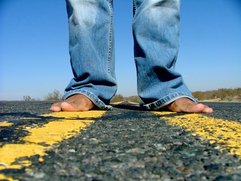 fötter framåt